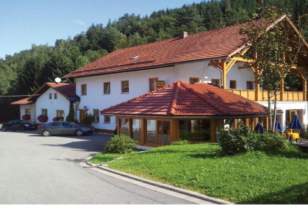 Rattenberg | Naturcampingplatz - Gasthaus - Cafe - Perlbach