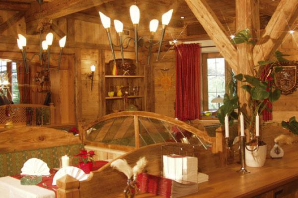 Elisabethszell | Hotel Mariandl - Singender Wirt | gemütliche Gaststube